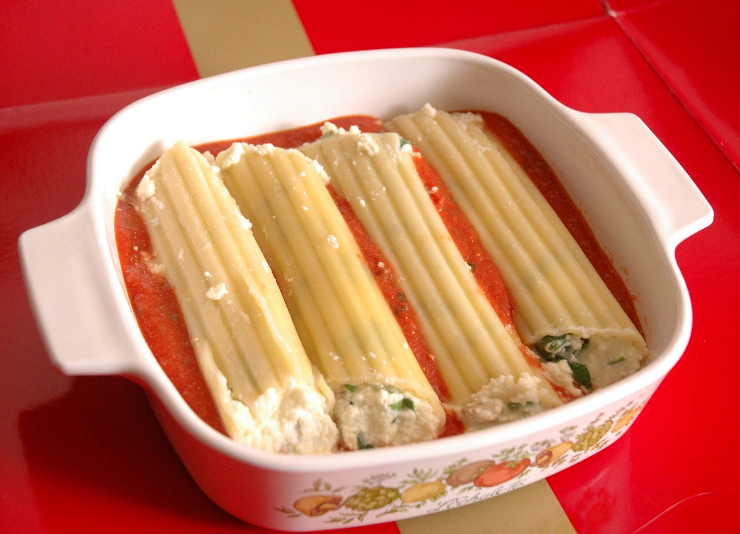 Manicotti stuffed with spinach & ricotta |