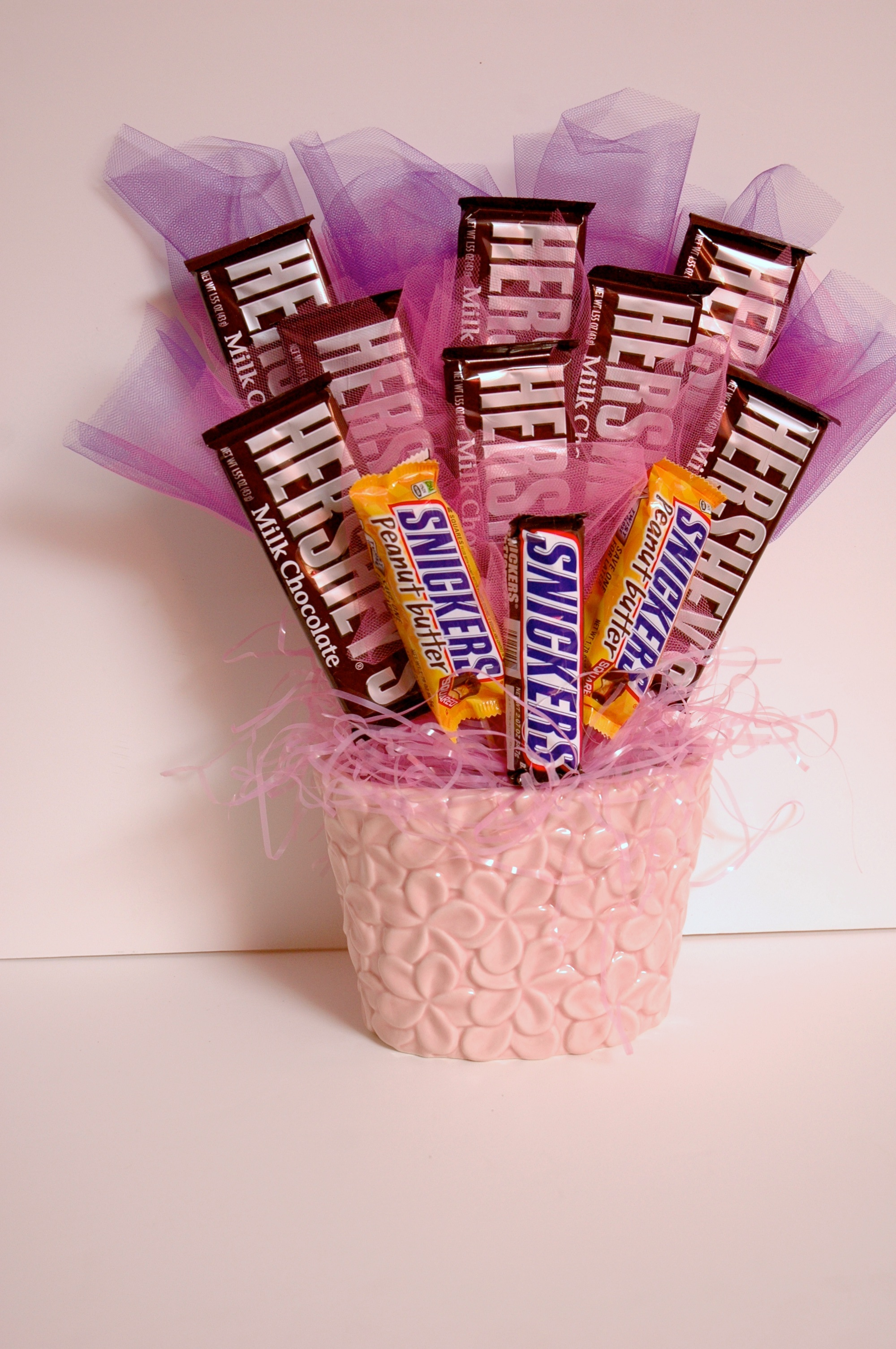 Sweet Gift For Her: Sweet 16 Candy Bouquet